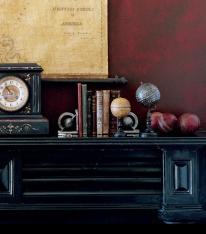 rl_paint_fauxtechniques_antiquedleather_redclock_1